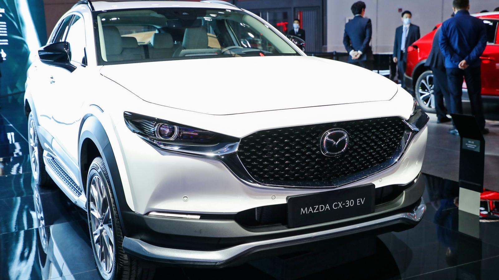Mazda CX-30 phiên bản chạy điện chính thức ra mắt tại Triển lãm ô tô Thượng Hải