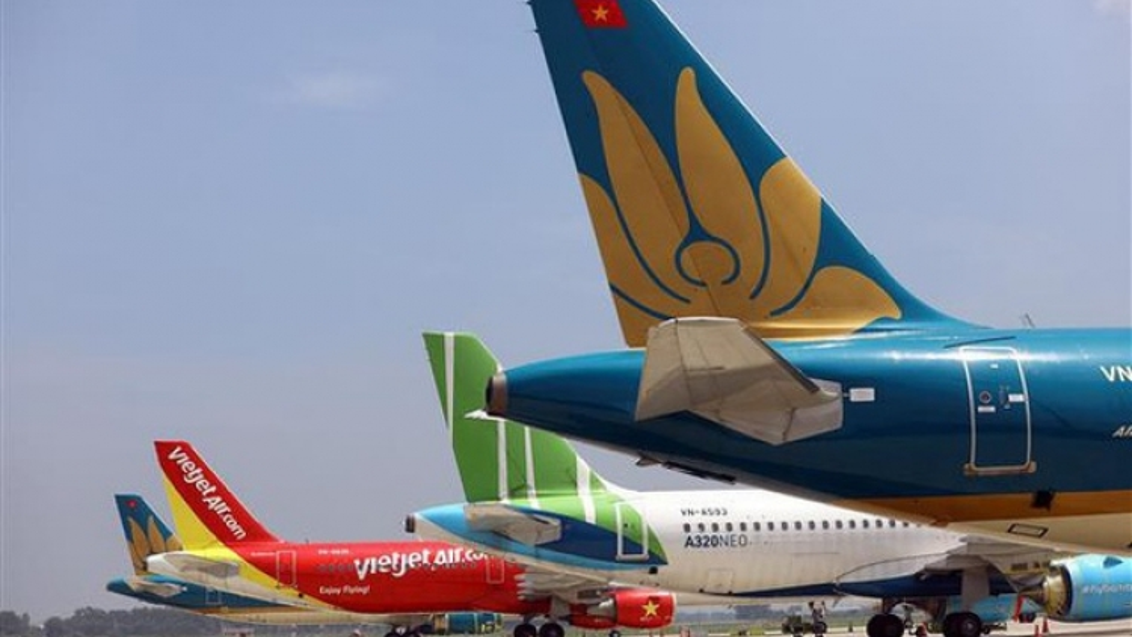 """39 máy bay Việt Nam phải """"đắp chiếu"""" do dịch COVID-19"""