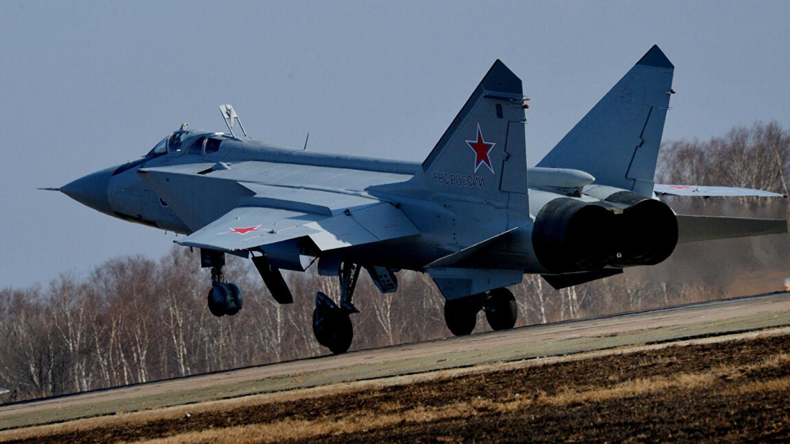 MiG-31 Nga áp sát máy bay do thám của Mỹ tại Thái Bình Dương