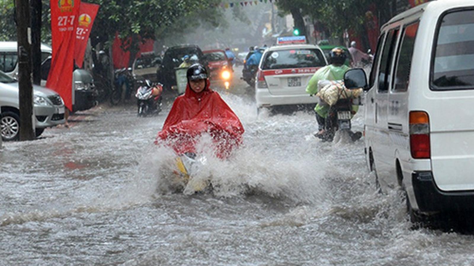 Thời tiết ngày 26/4: Cảnh báo mưa dông lớn tại Hà Nội và nhiều tỉnh ở Bắc Bộ