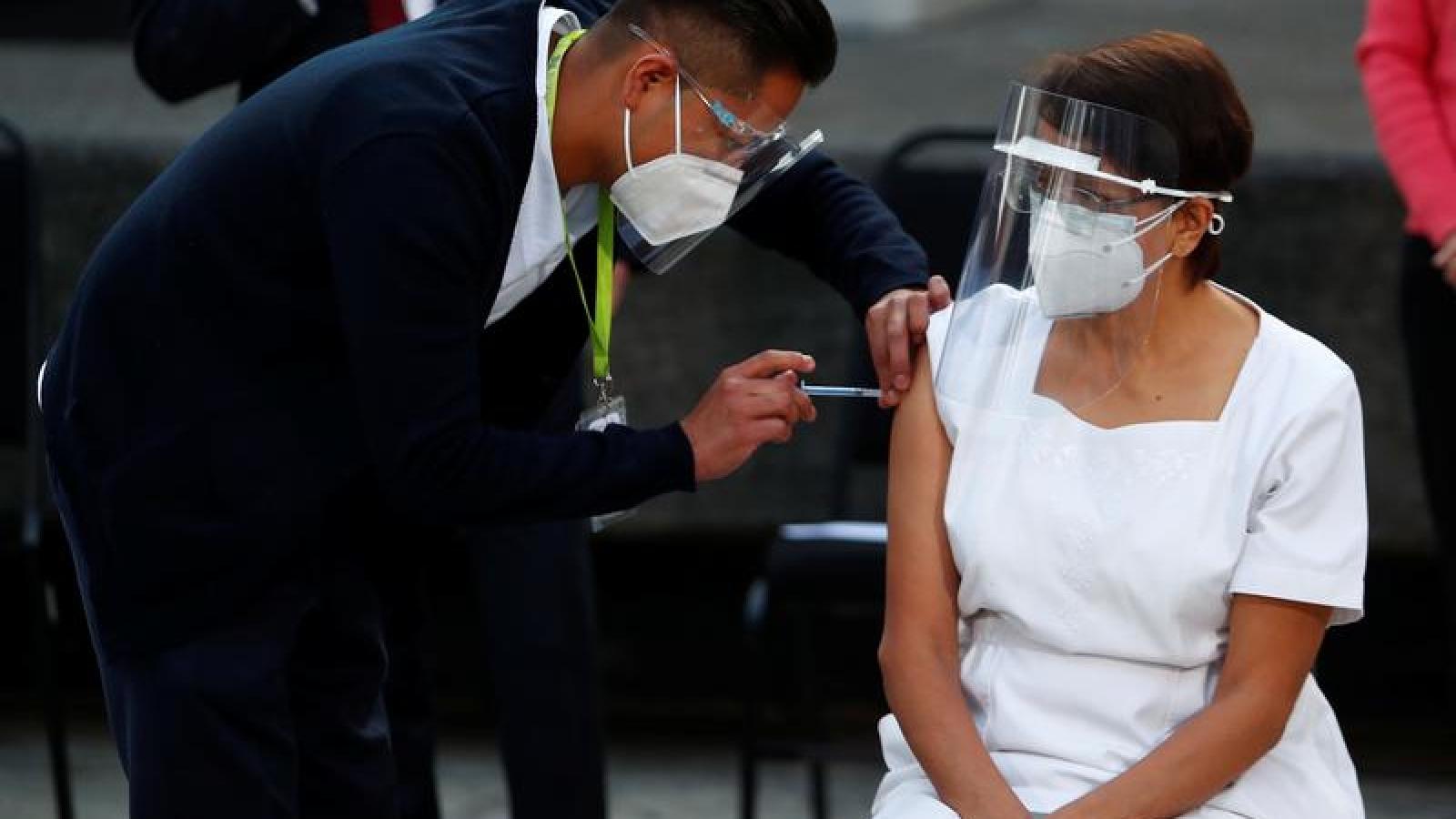 Giới nhà giàu các nước Mỹ Latin đổ xô tới Mỹ để được tiêm vaccine Covid-19