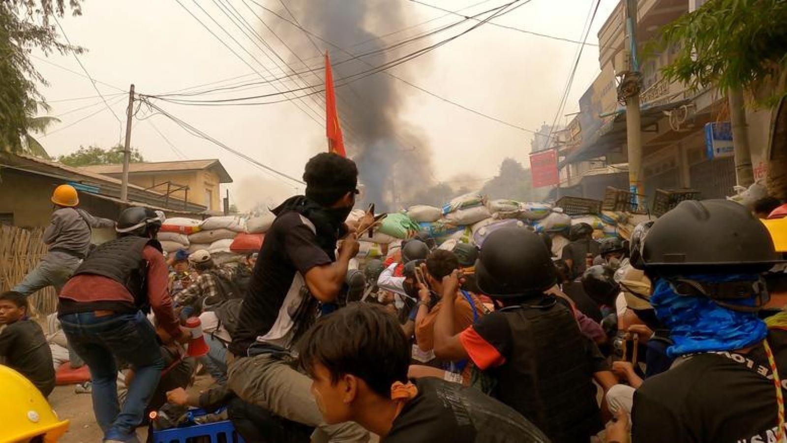 """Trung Quốc nêu quan điểm """"Ba ủng hộ"""" về Myanmar"""