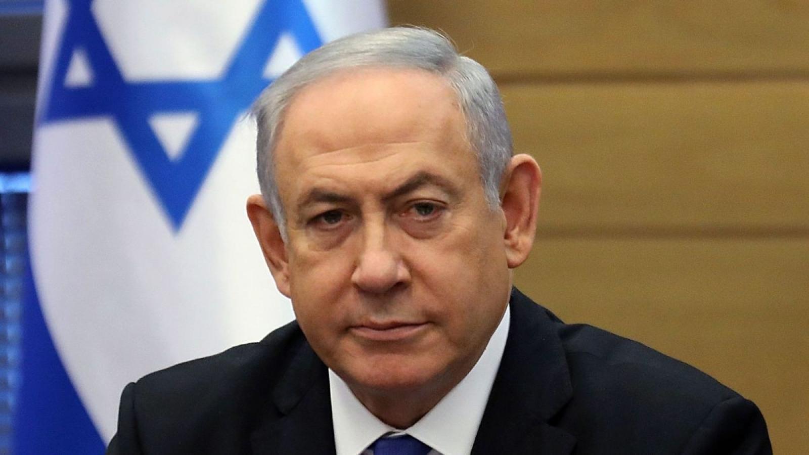 Thủ tướng Israel Netanyahu cùng lúc đối mặt với 2 thách thức lớn