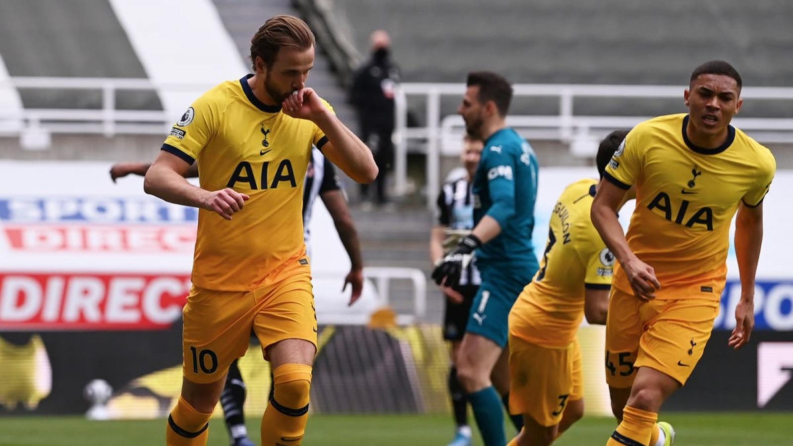 Harry Kane lập cú đúp, Tottenham vẫn bị Newcastle cầm chân