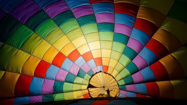 Vietnam hot air balloon shot wins Smithsonian photo contest