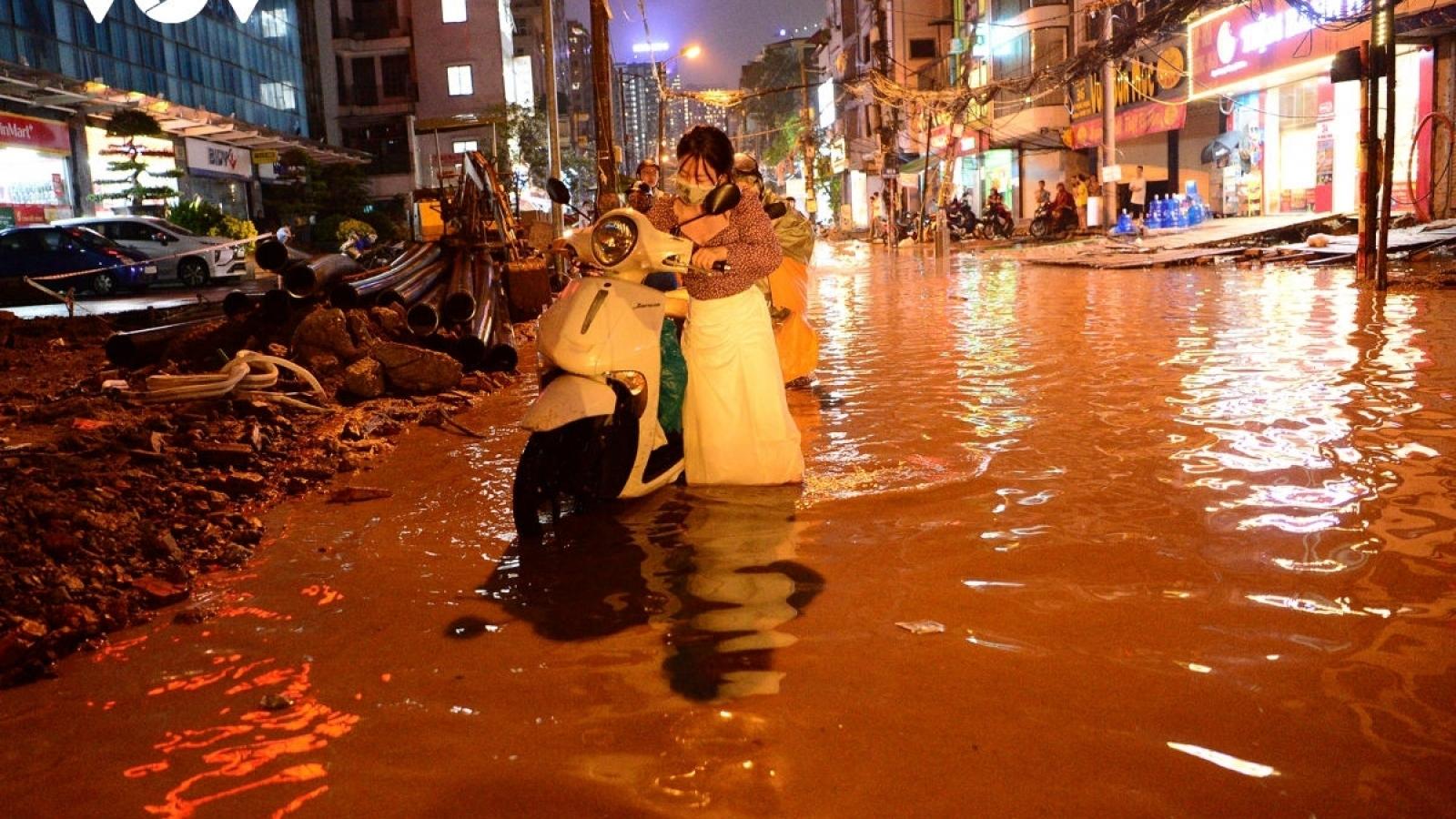 Giải pháp nào giảm ngập úng cho Hà Nội trước mùa mưa bão