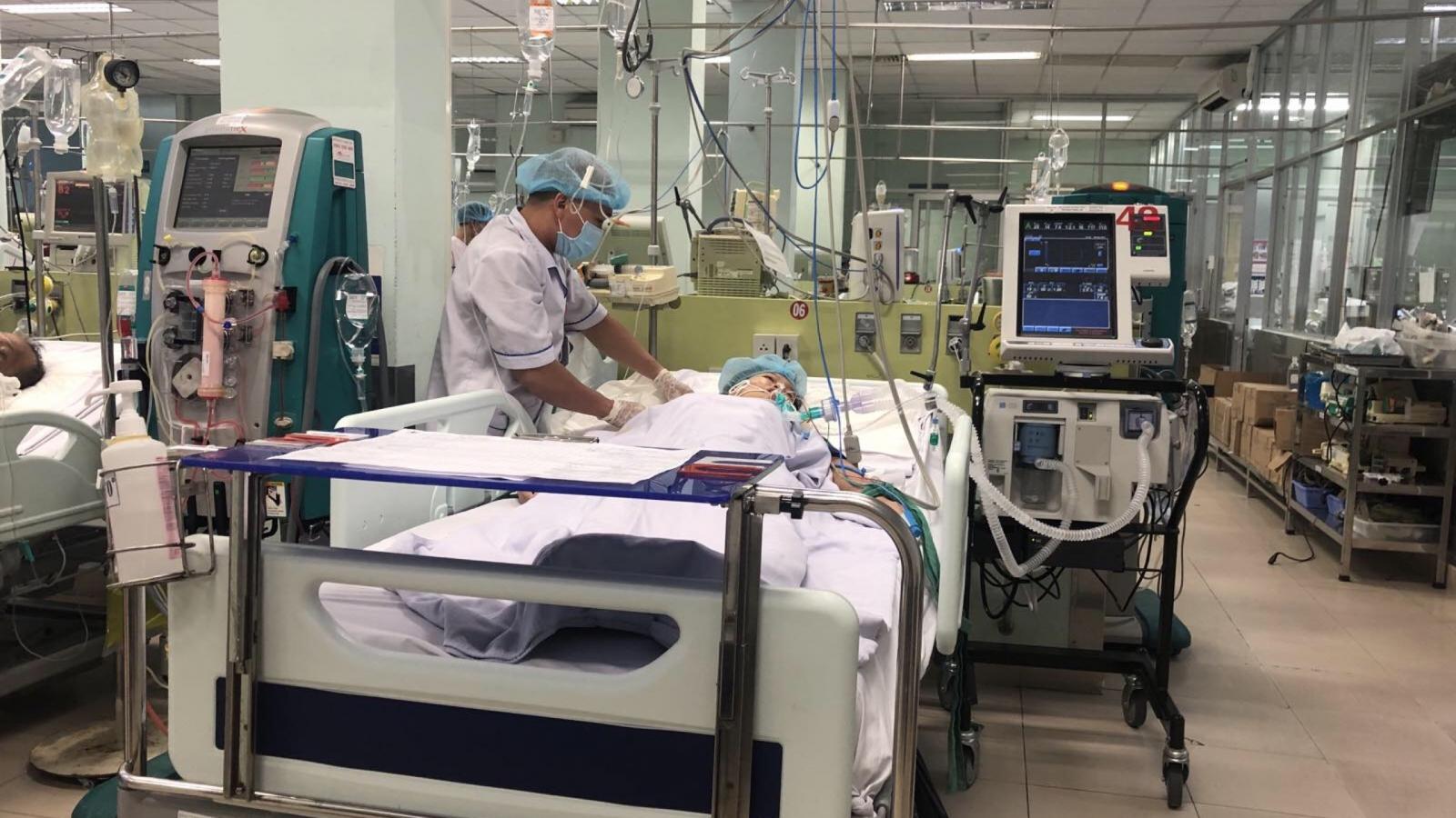 Vụ ngộ độc pate chay: 2 bệnh nhân được thay huyết tương để lọc độc tố sức khỏe ổn định