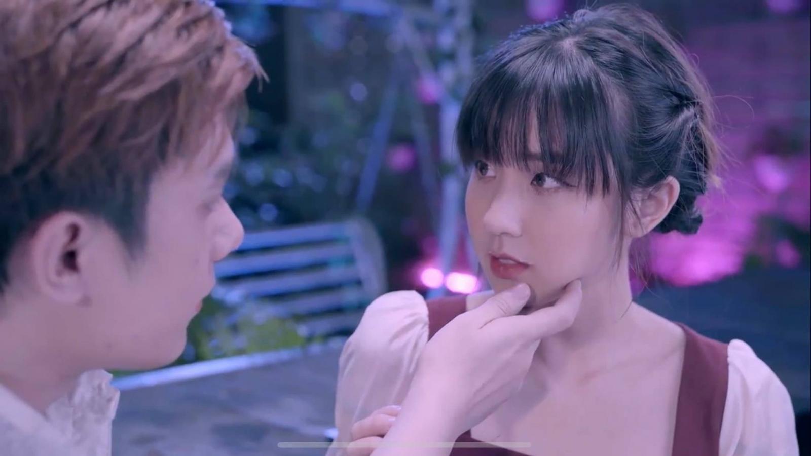 """Nhật Phong vượt mặt Binz, Only C với hit mới """"Đừng như người dưng"""""""