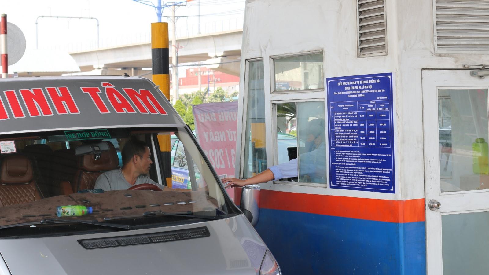 TPHCM: Xa lộ Hà Nội ùn ứ xe cộ trong ngày đầu thu phí BOT trở lại