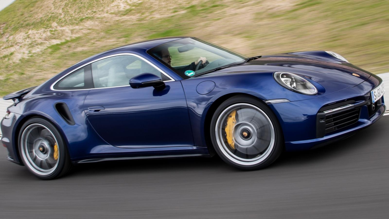 Porsche 911 GT3 2022 chốt giá từ 3,7 tỷ đồng
