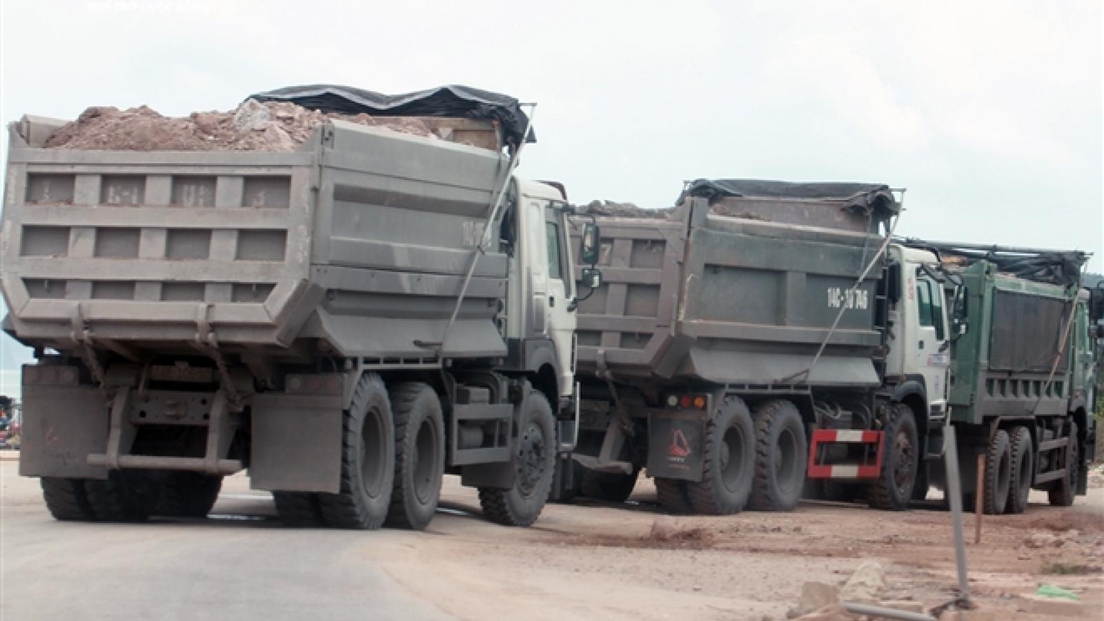 Xe cơi nới thành thùng tung hoành khắp các tuyến phố ở Quảng Ninh