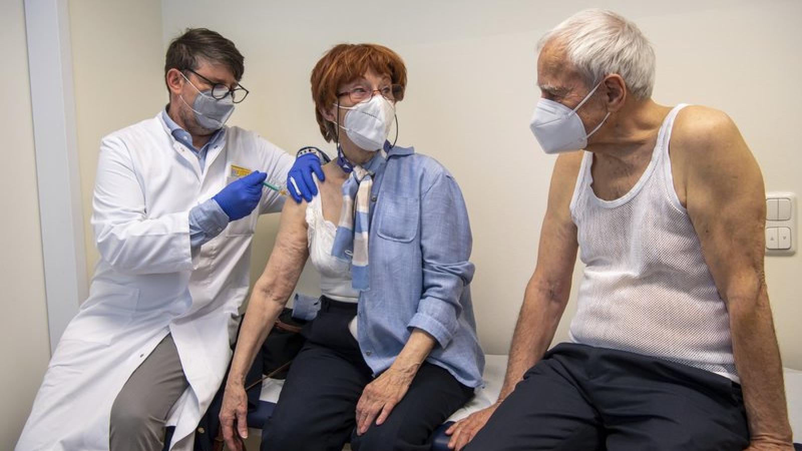 Các quốc gia EU hỗ trợ hàng chục nghìn liều vaccineCovid-19 cho CH Séc
