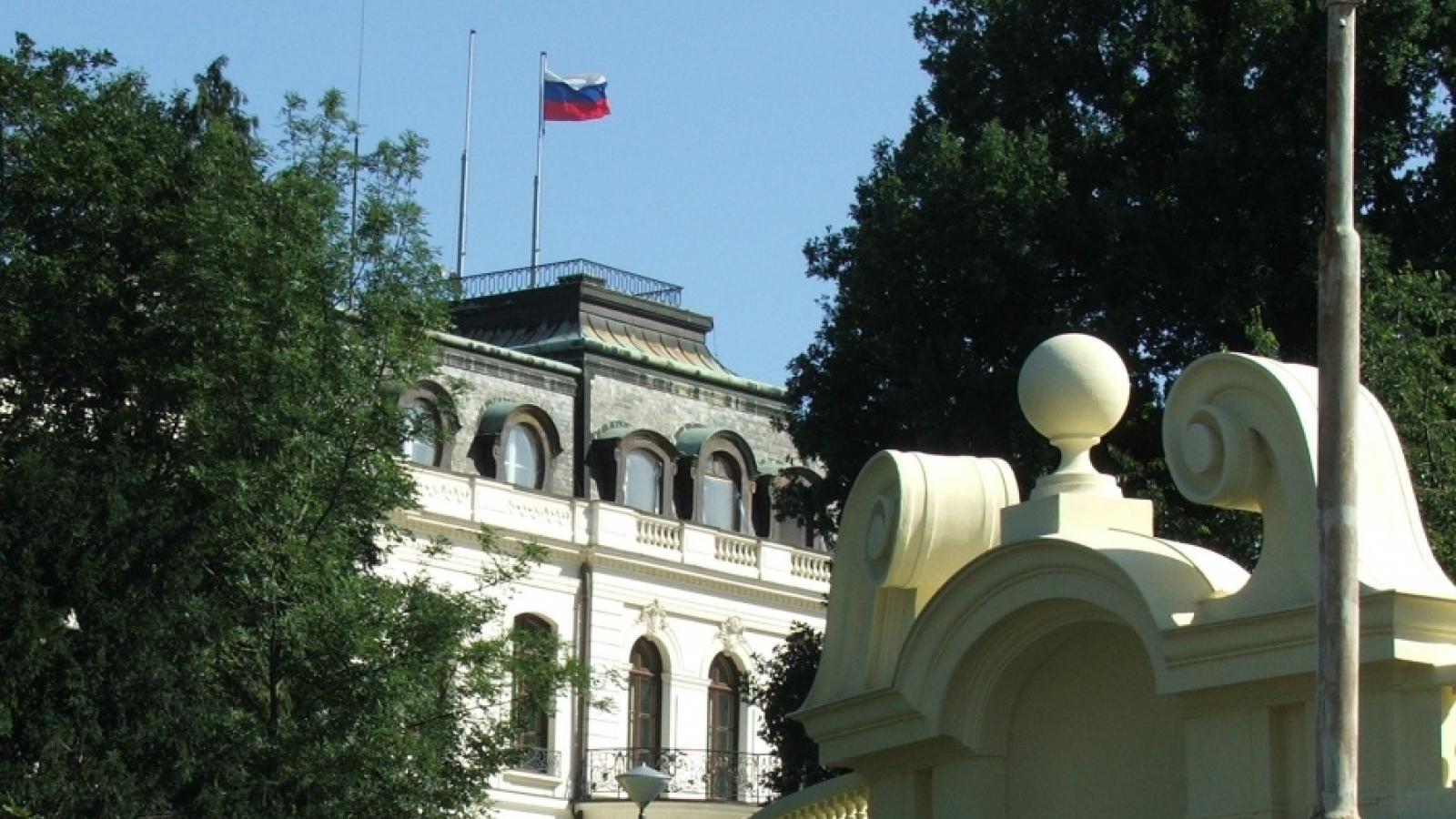Séc sẽ trục xuất khoảng 40 nhà ngoại giao Nga