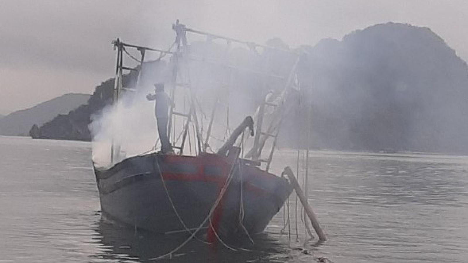 Nổ bình gas trên tàu đánh bắt hải sản, 3 anh em bị bỏng nặng