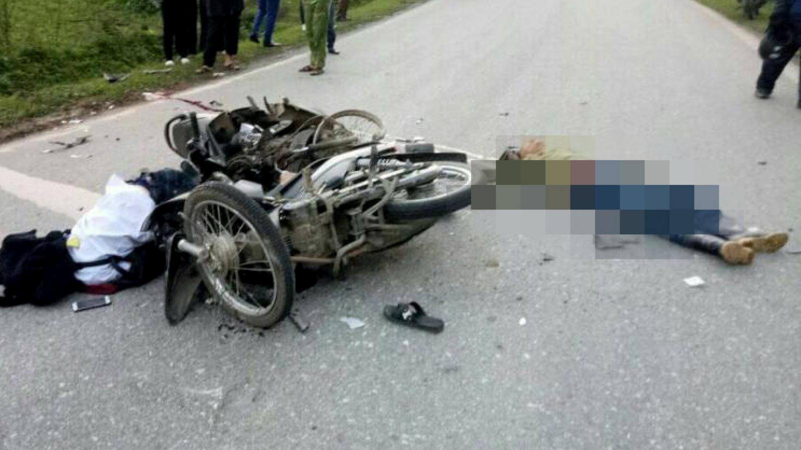 2 xe máy va chạm khiến 1 người tử vong