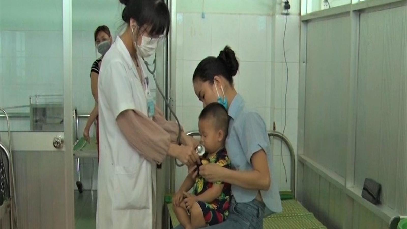 Quảng Nam tập trung ứng phó bệnh tay, chân, miệng ở trẻ em