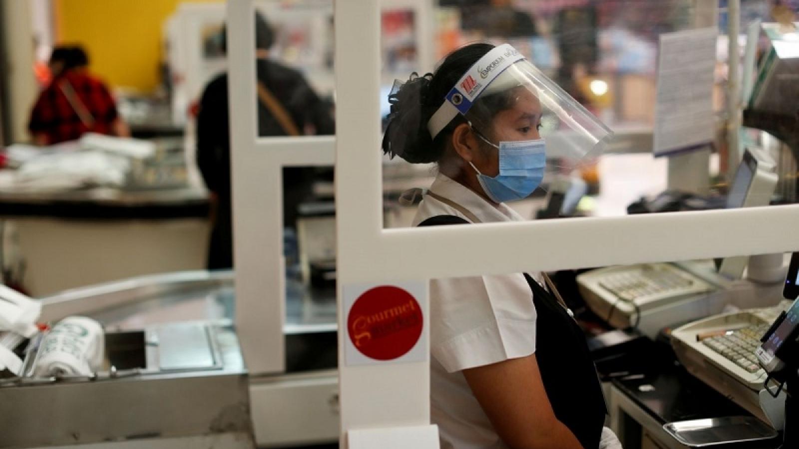 Làn sóng Covid-19 mới có thể khiến GDP của Thái Lan giảm 4%