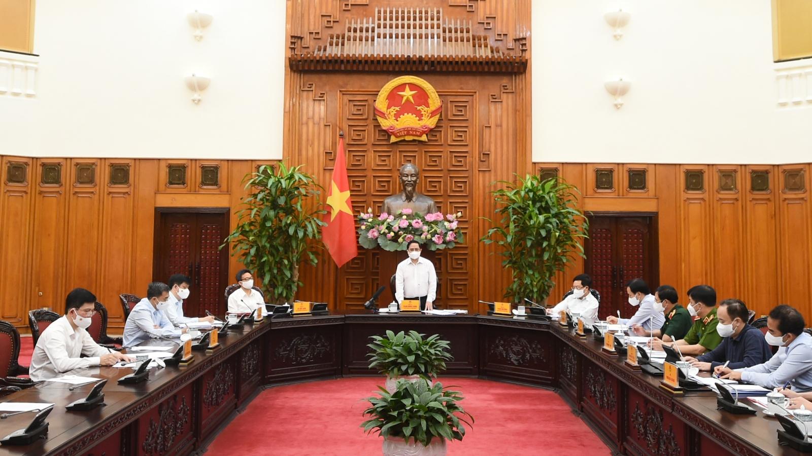 Thủ tướng yêu cầu phải bình tĩnh, tỉnh táo, linh hoạt trong phòng chống Covid-19