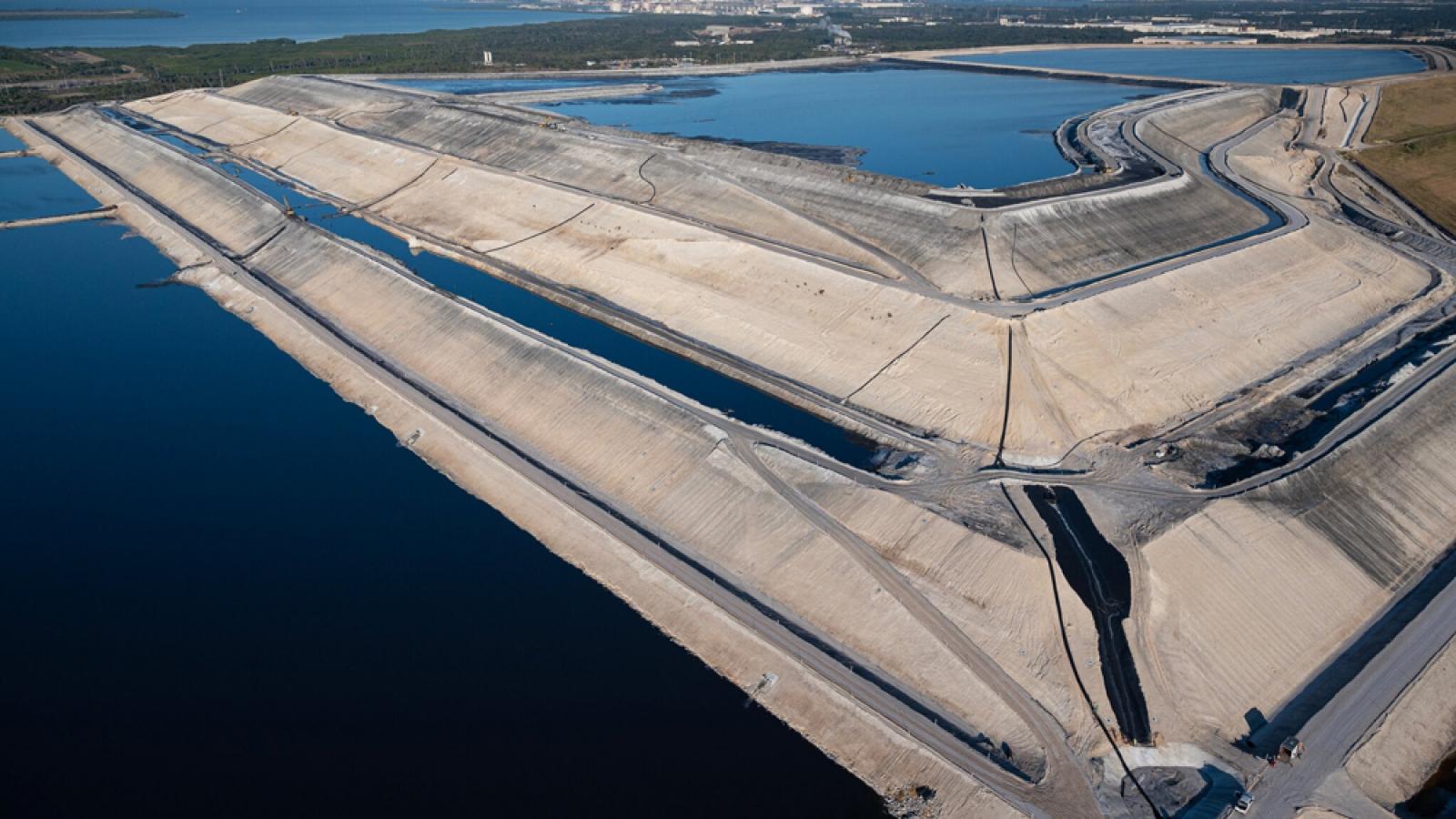 """Xử lý khủng hoảng chất thải ở Florida: Hoá giải chiêu bài """"đất hiếm"""" của Trung Quốc"""