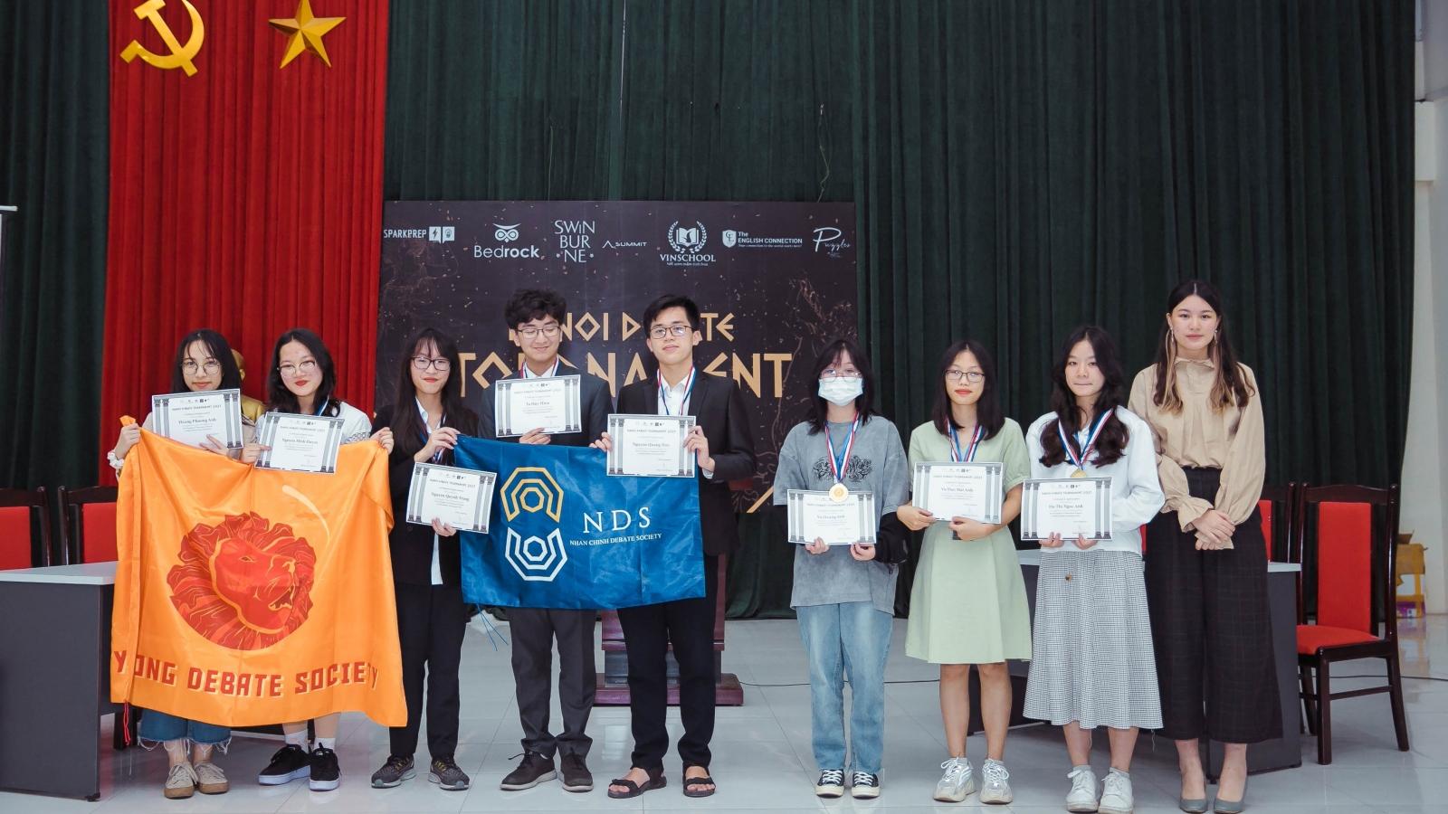 Học sinh Hà Nội trổ tài tranh biện tại Hanoi Debate Tournament 2021