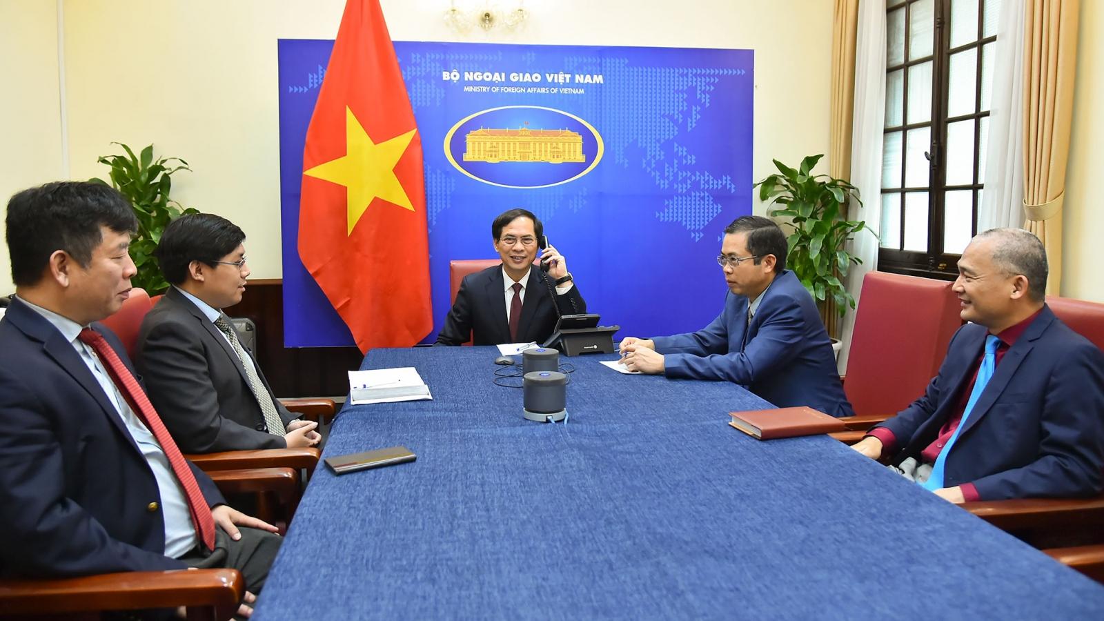 Bộ trưởng Ngoại giao Bùi Thanh Sơn điện đàm với Bộ trưởng Ngoại giao Ma-rốc, Ấn Độ