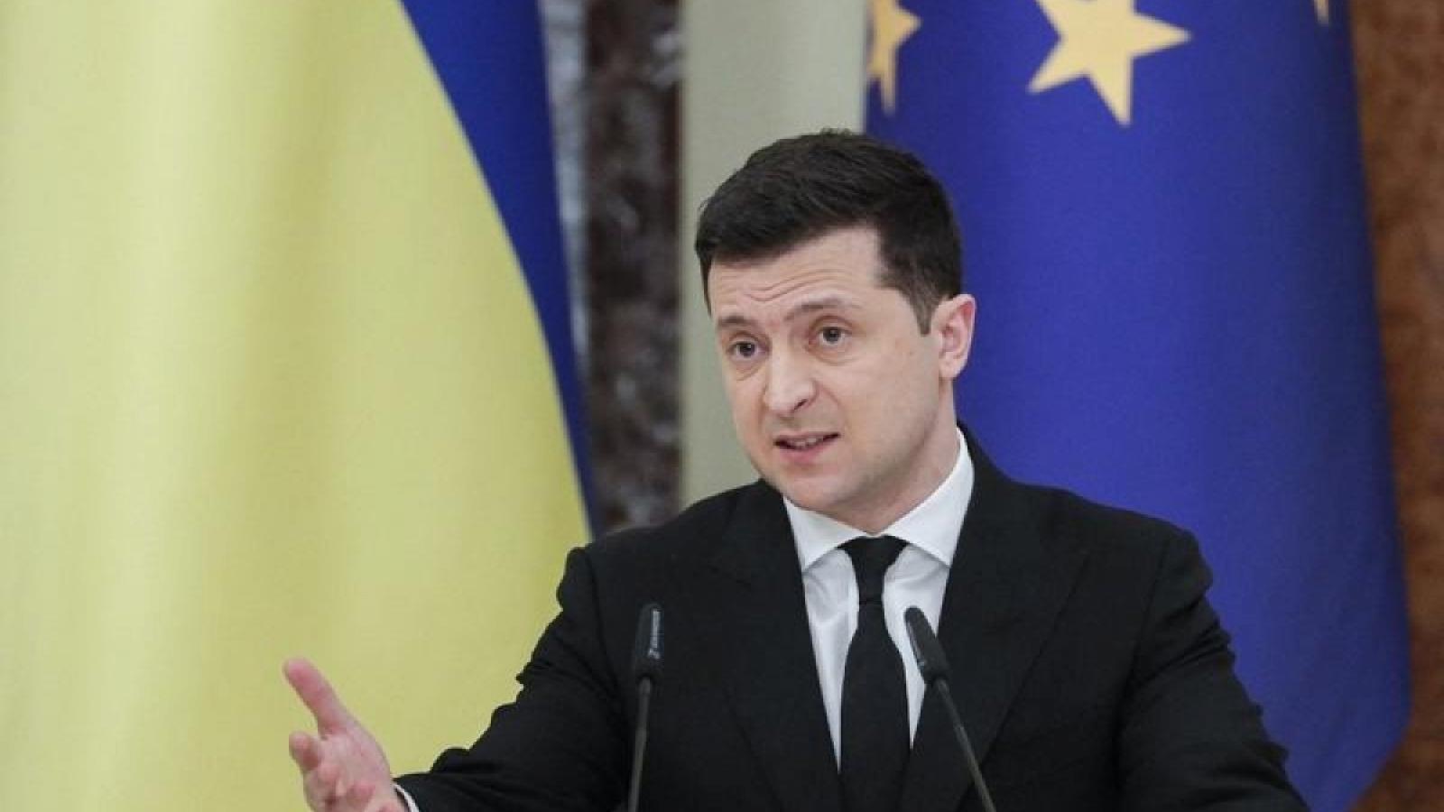Tổng thống Ukraine đề nghị đàm phán hòa bình với Tổng thống Nga