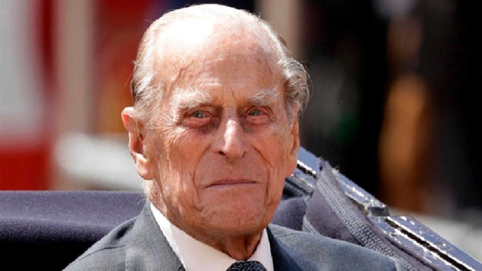 Hoàng thân Philip từng tự thiết kế xe tang cho mình