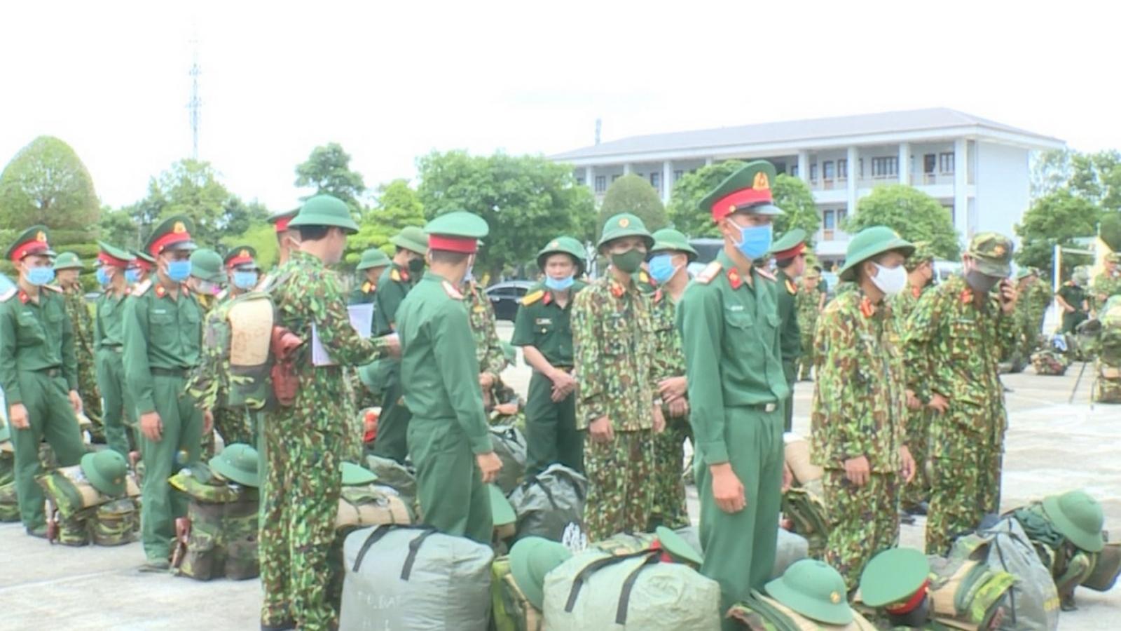 Quảng Trị tăng cường lực lượng quân sự lên biên giới chống Covid-19