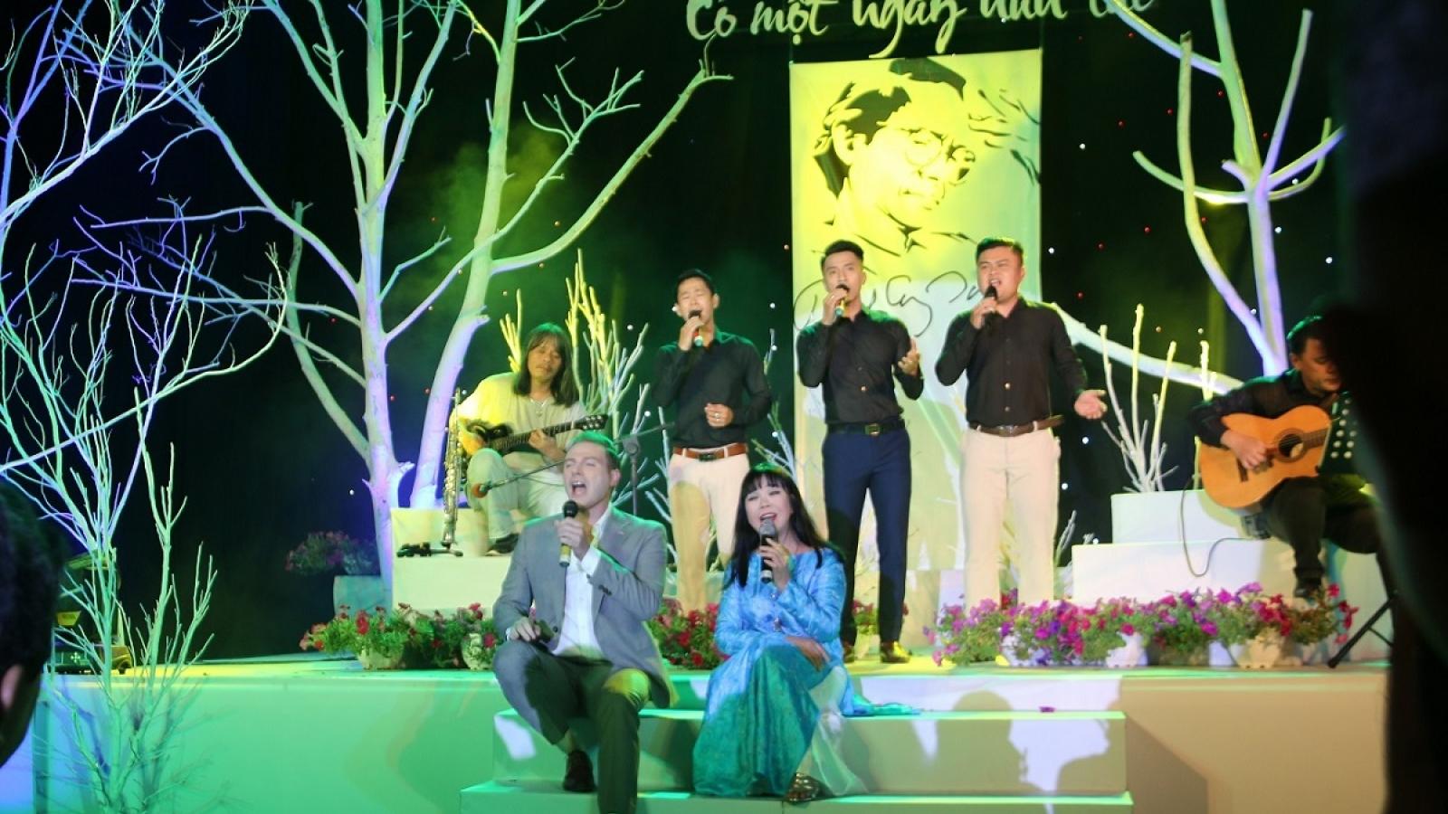 """""""Có một ngày như thế"""" tại Hội An - tưởng nhớ 20 năm ngày mất cố nhạc sĩ Trịnh Công Sơn"""