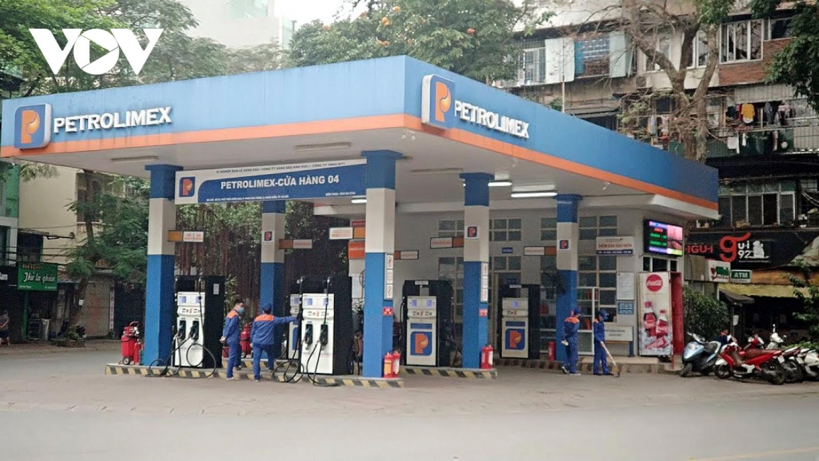 Giá xăng, dầu đồng loạt tăng nhẹ trước kỳ nghỉ lễ