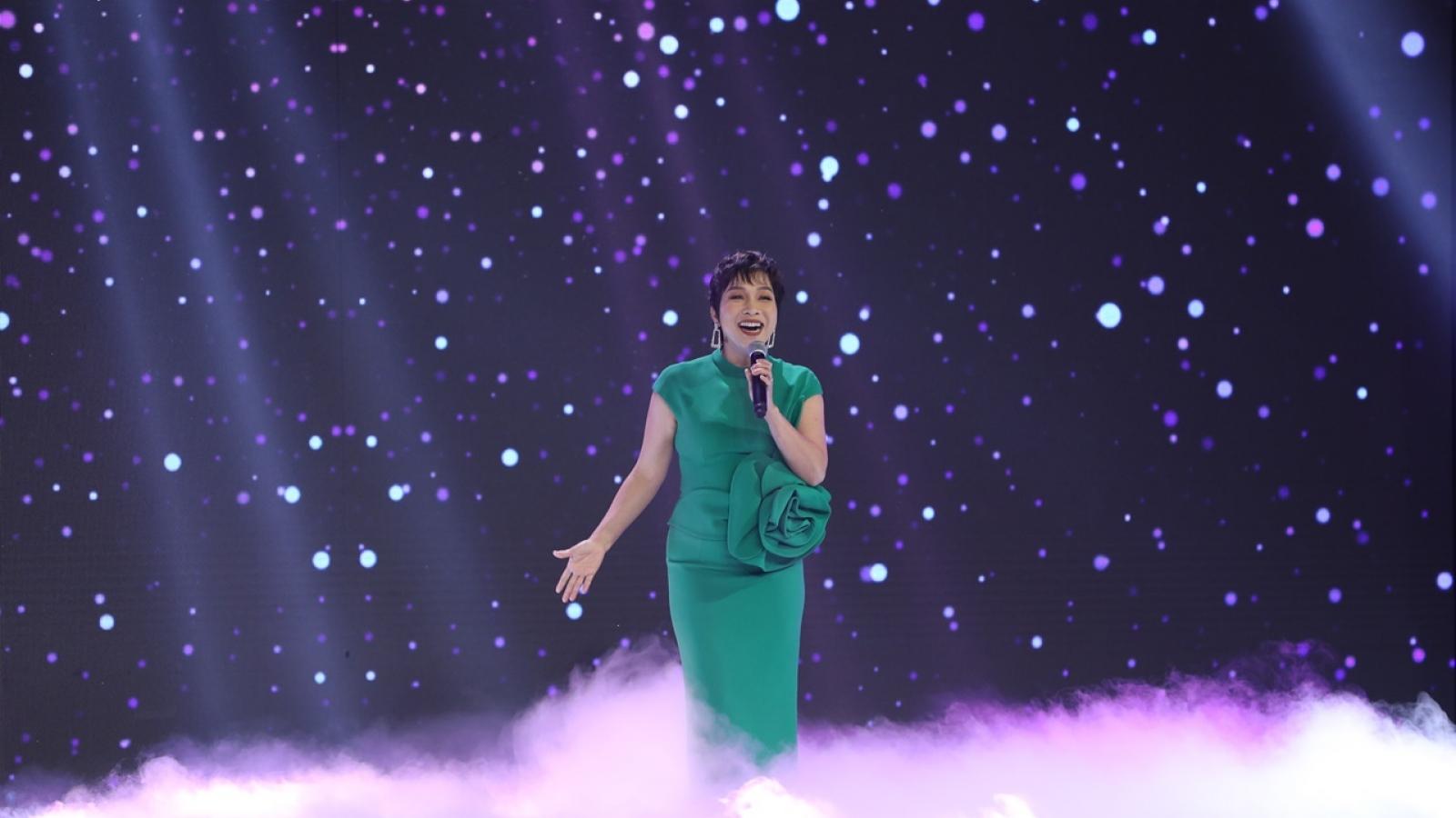 Diva Mỹ Linh tiết lộ sự ra đời của mái tóc ngắn, hóa ra là bởi Thanh Lam