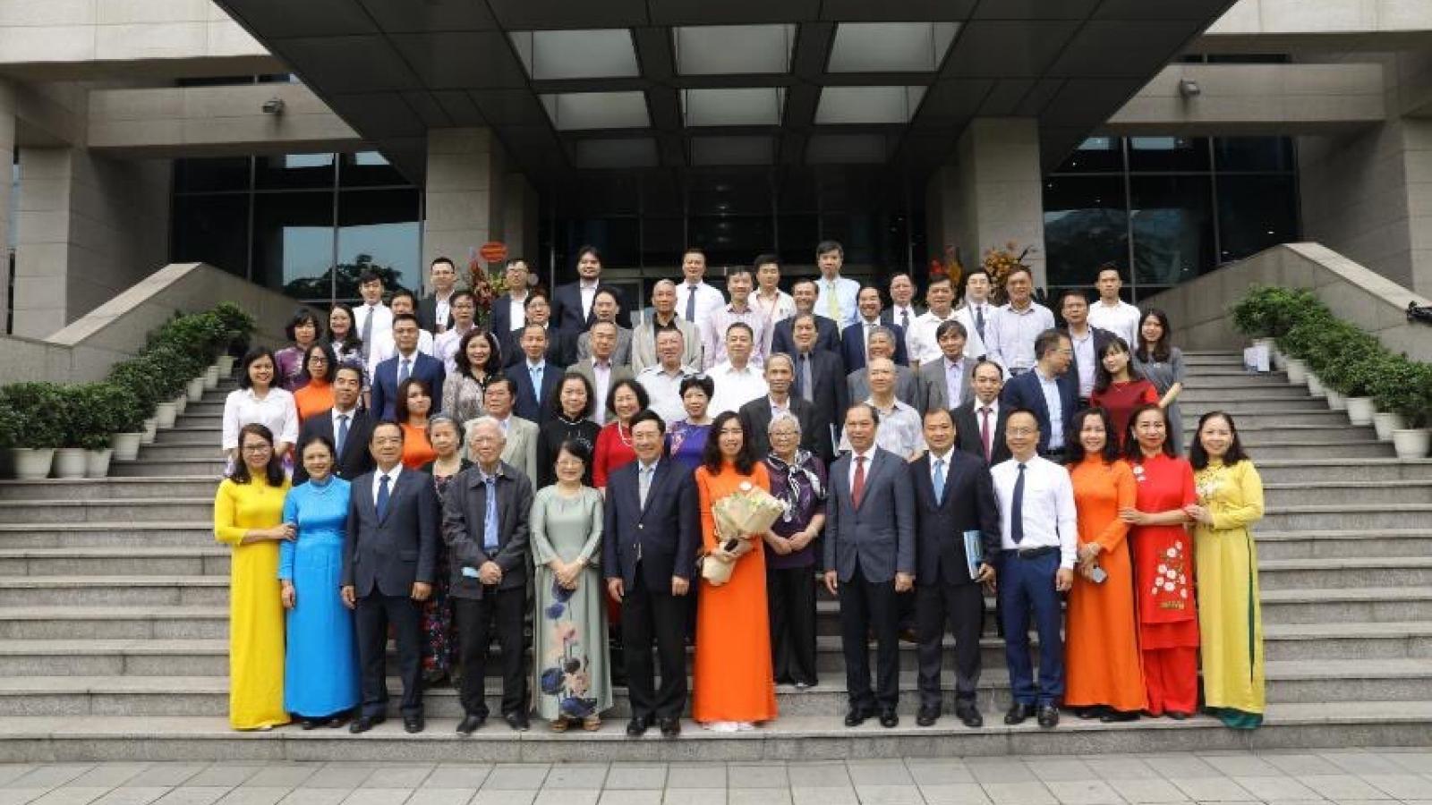 Gặp gỡ các thế hệ nhân kỷ niệm 75 năm thành lập Vụ Thông tin Báo chíBộ Ngoại giao