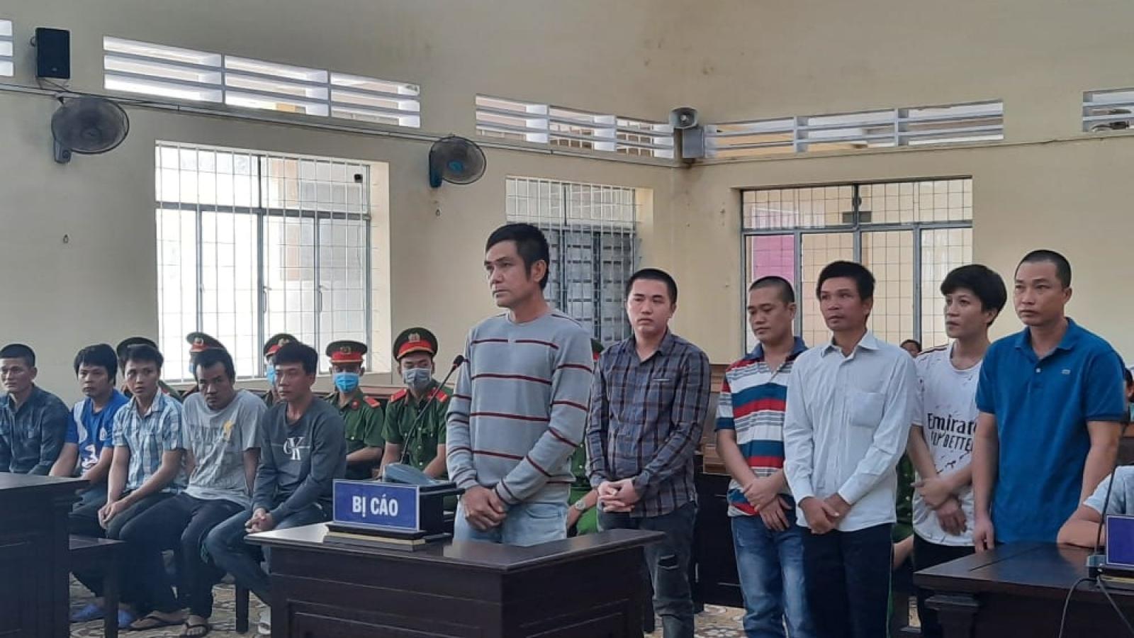 Vụ án 'thương lái dàn cảnh trộm tôm': 5 bị cáo được giảm án