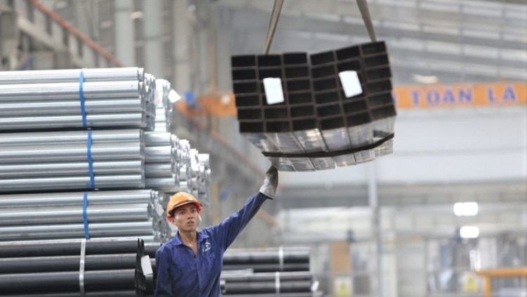 Vietnam rakes in US$1.82 billion from iron and steel exports