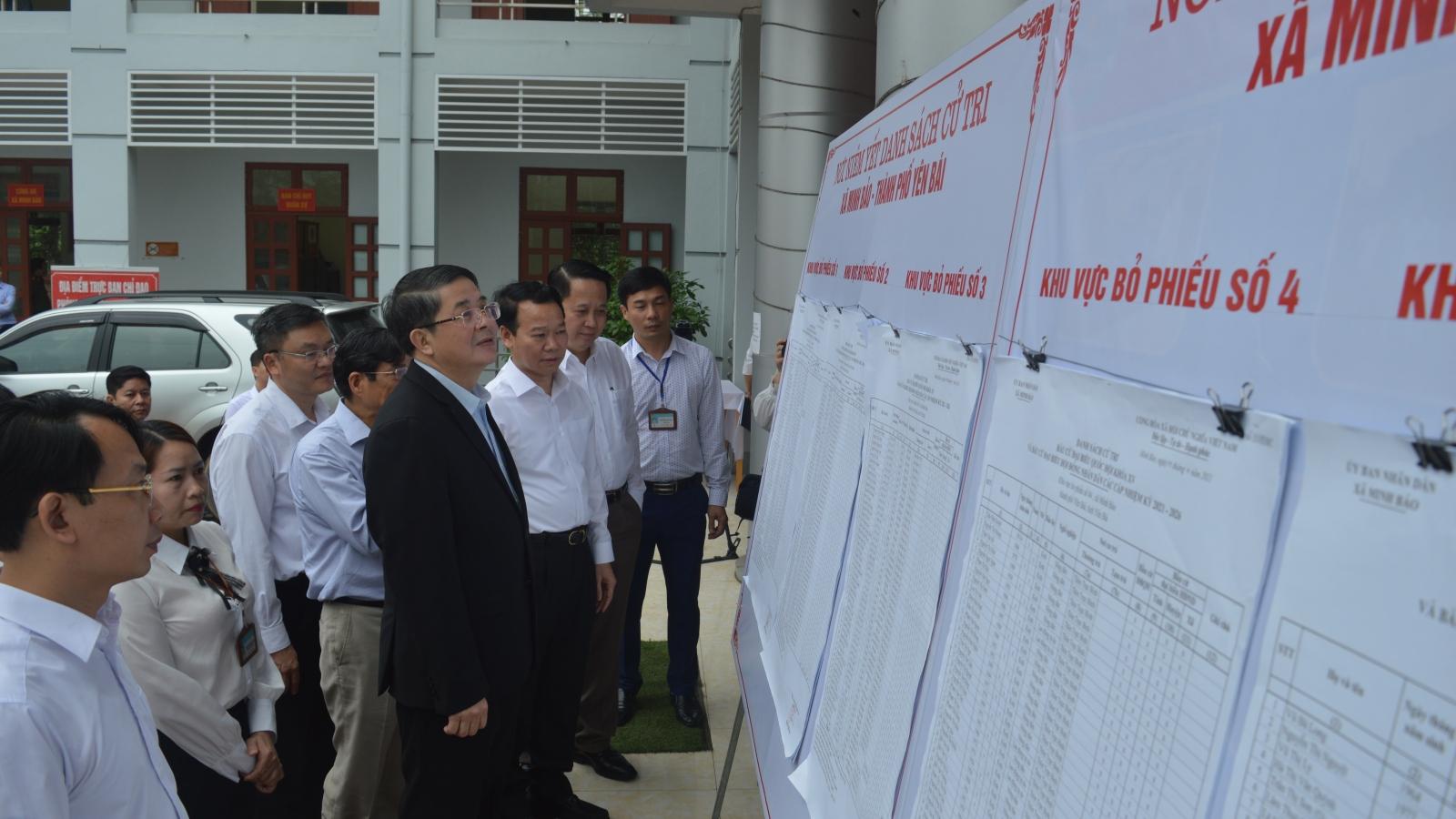 Giám sát, kiểm tra công tác bầu cử tại Yên Bái và Lào Cai