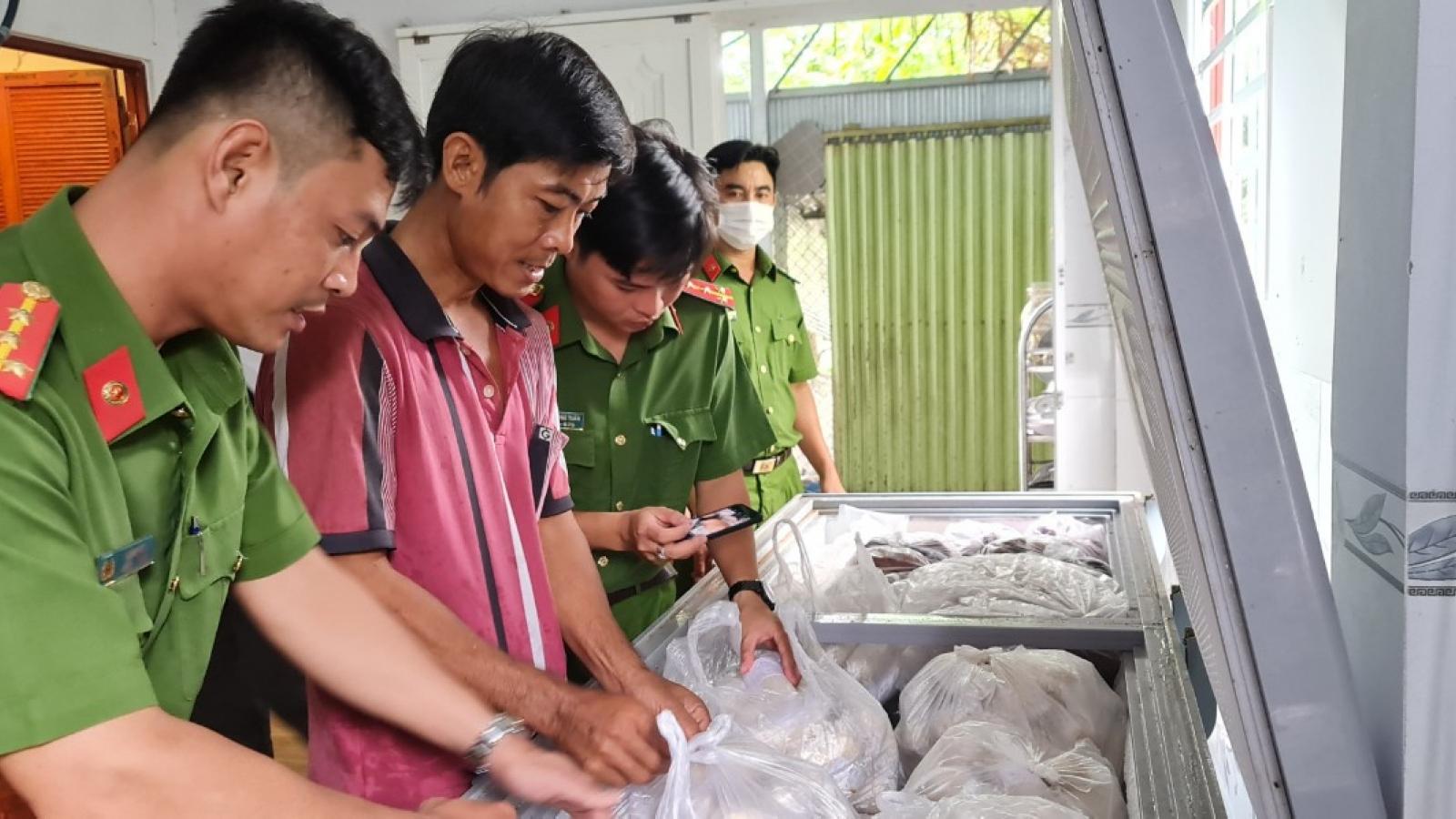 Thu giữ 3 tấn thực phẩm chay không rõ nguồn gốc tại An Giang