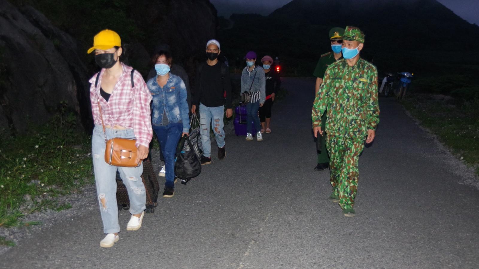 Một ngày, bắt giữ 62 người nhập cảnh trái phép trên toàn tuyến biên giới