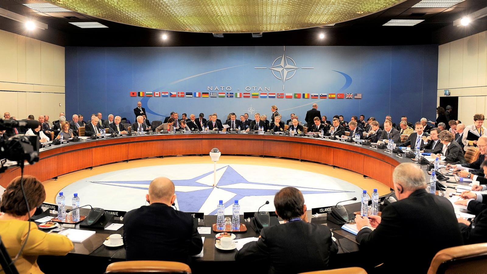 Đằng sau câu chuyện NATO từ chối nhận Liên Xô vào liên minh