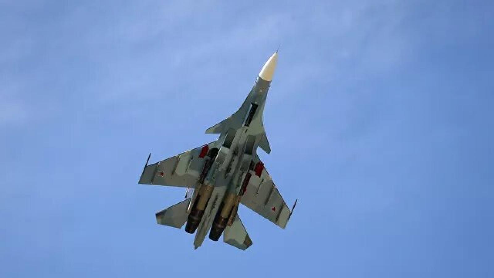 Su-30 của Nga chặn 3 máy bay quân sự Pháp trên Biển Đen