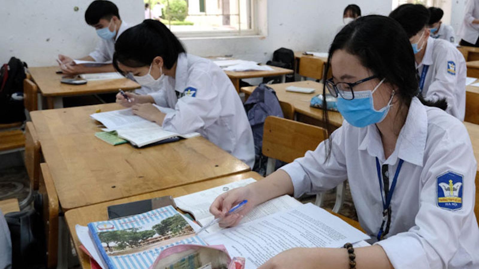 Hà Nội yêu cầu học sinh lớp 9 và lớp 12 không đi ra khỏi thành phố