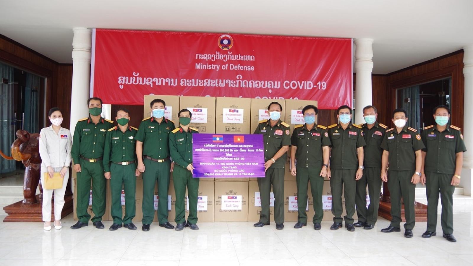 Binh đoàn 11 hỗ trợ Lào chống dịch Covid-19