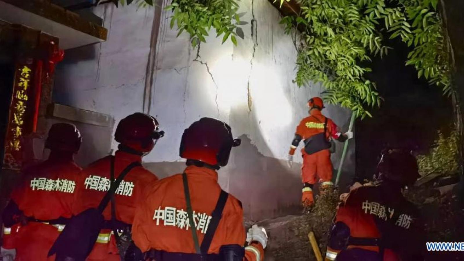 Động đất 7,4 độtại Trung Quốc khiến 30 người thương vong