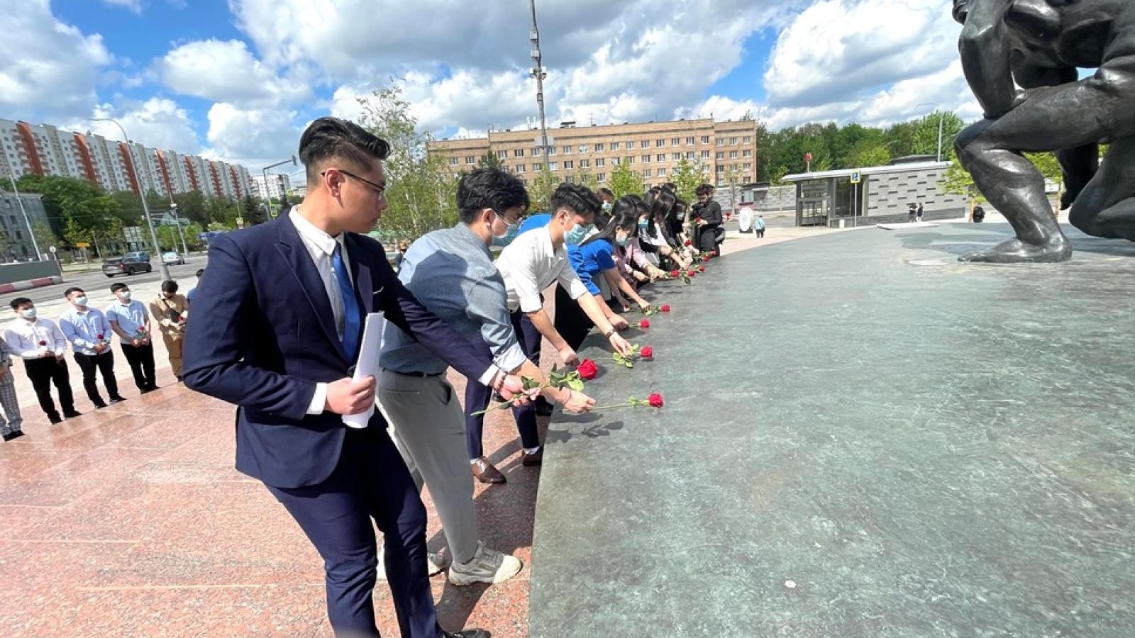 Sôi nổi các hoạt động kỷ niệm sinh nhật Bác của sinh viên Việt Nam tại Nga
