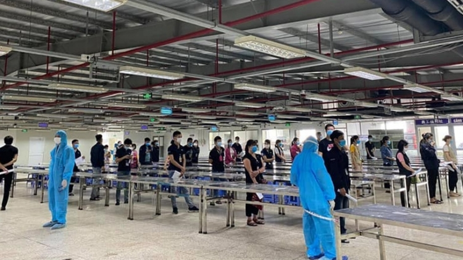 Bắc Giang lấy mẫu xét nghiệm cho 80.000 công nhân KCN Vân Trung