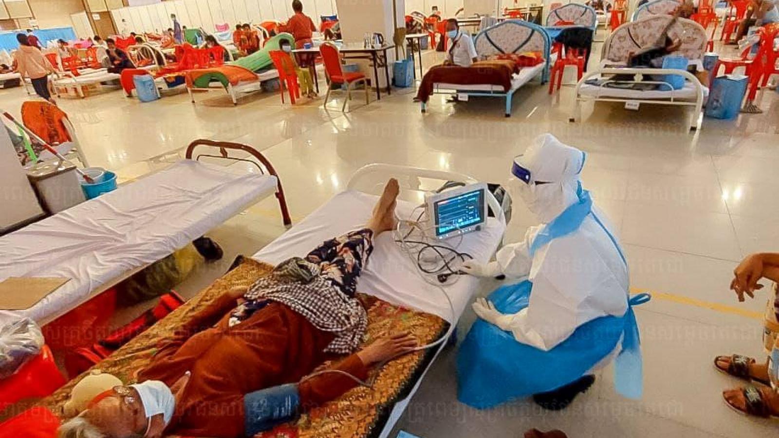 Thủ đô Phnom Penh (Campuchia) dỡ bỏ một loạt biện pháp chống dịch Covid-19