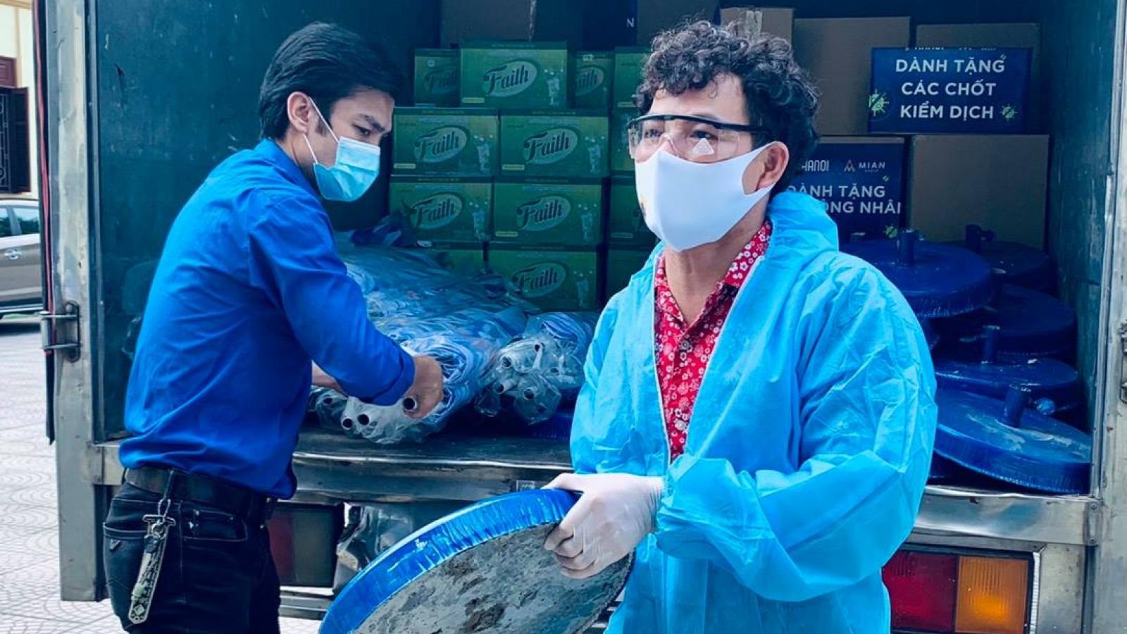 Tự Long, Xuân Bắc cùng Hội Nghệ sĩ Sân khấu VN quyên góp ủng hộ Bắc Ninh, Bắc Giang