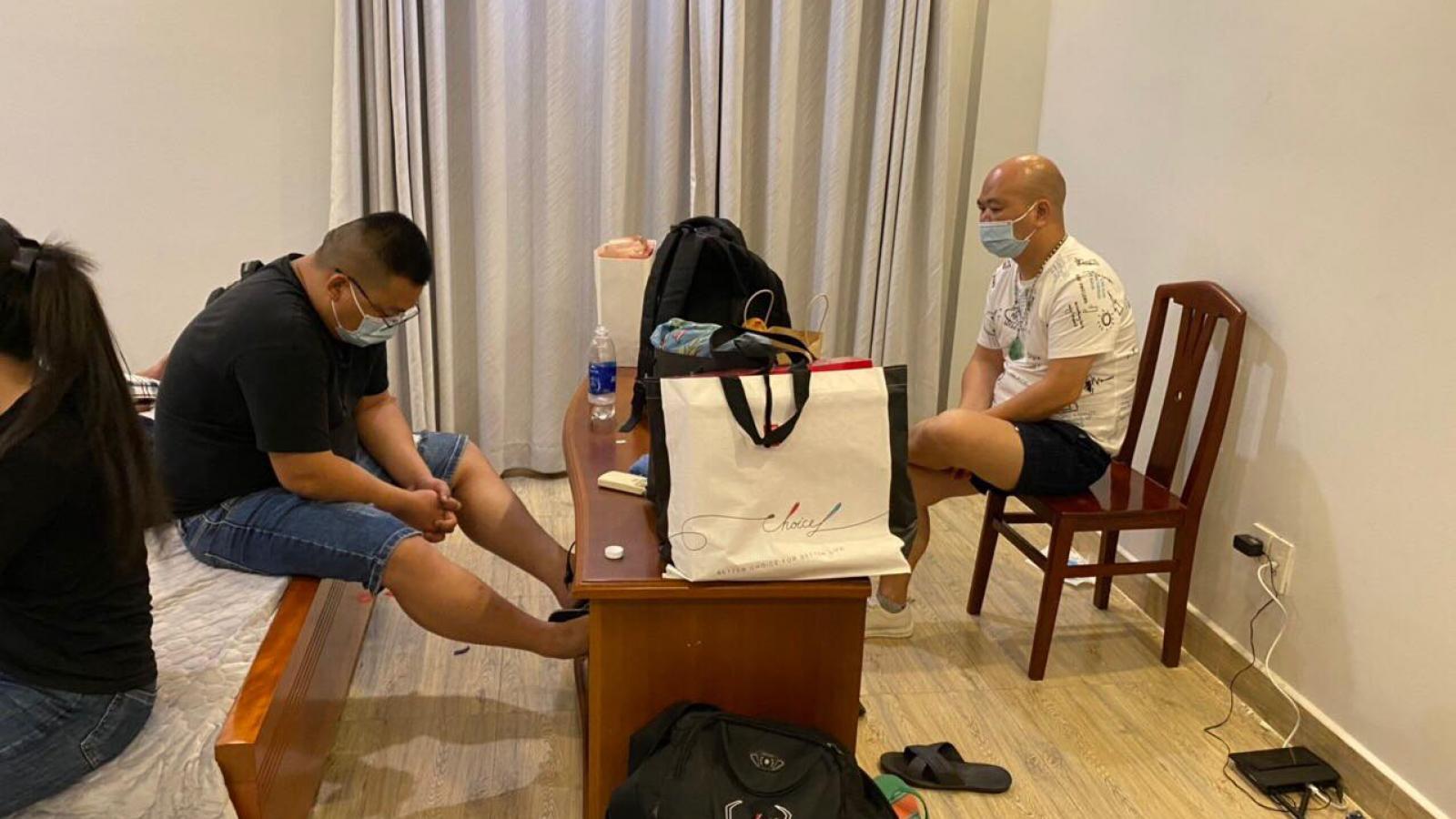 Nghi vấn nhóm người Trung Quốc vào Việt Nam để lừa đảo