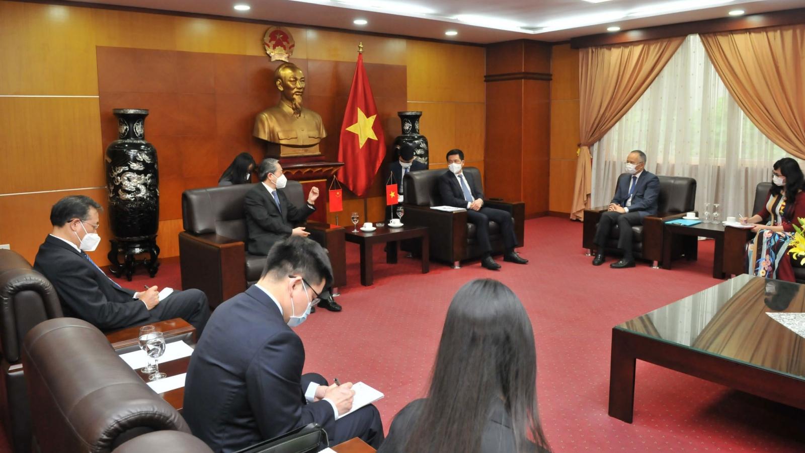 Bộ Công Thương đề nghị phía Trung Quốc tạo điều kiện tiêu thụ nông sản