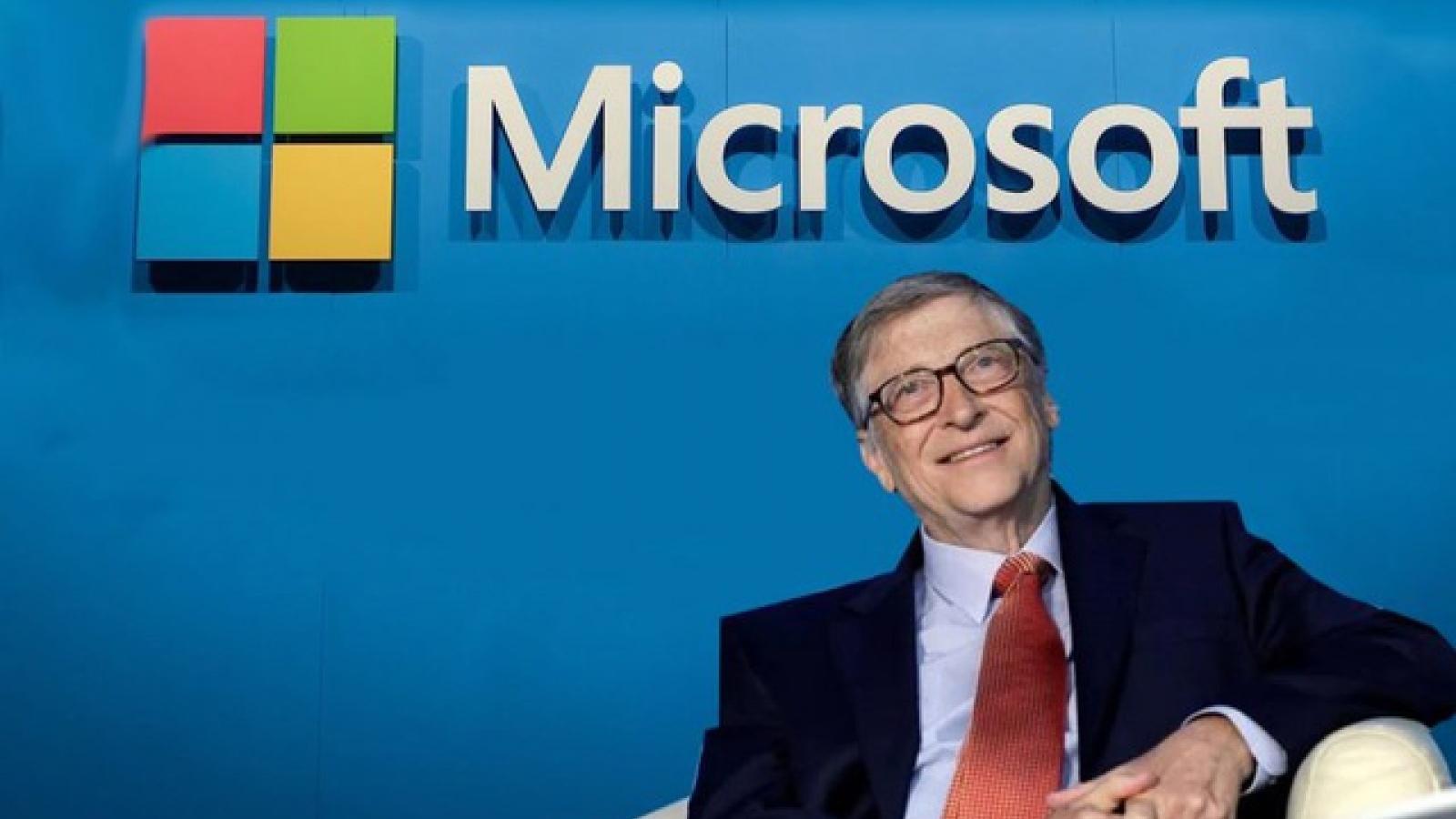 """Bill Gates bị ép buộc rời Microsoft vì quan hệ """"ngoài luồng"""" với nhân viên?"""