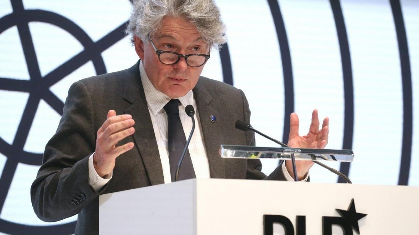Châu Âu thừa nhận quá 'ngây thơ' khi thuê gia công chip